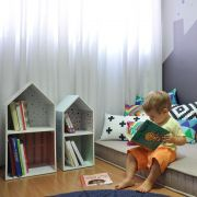 Porta livros Bookshelf Boy